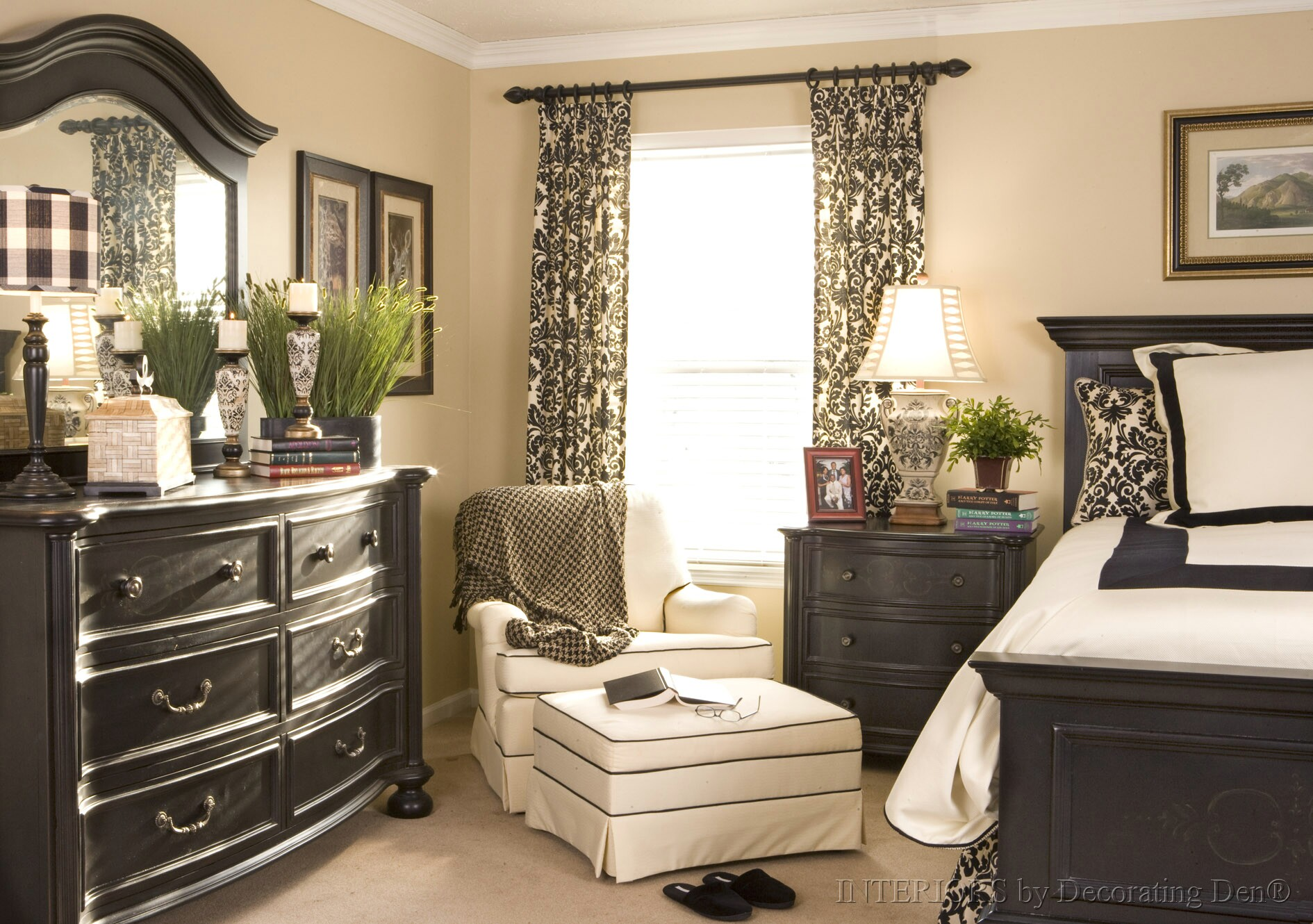 Home Design Roosa: Master Bedroom At The Front Of The House