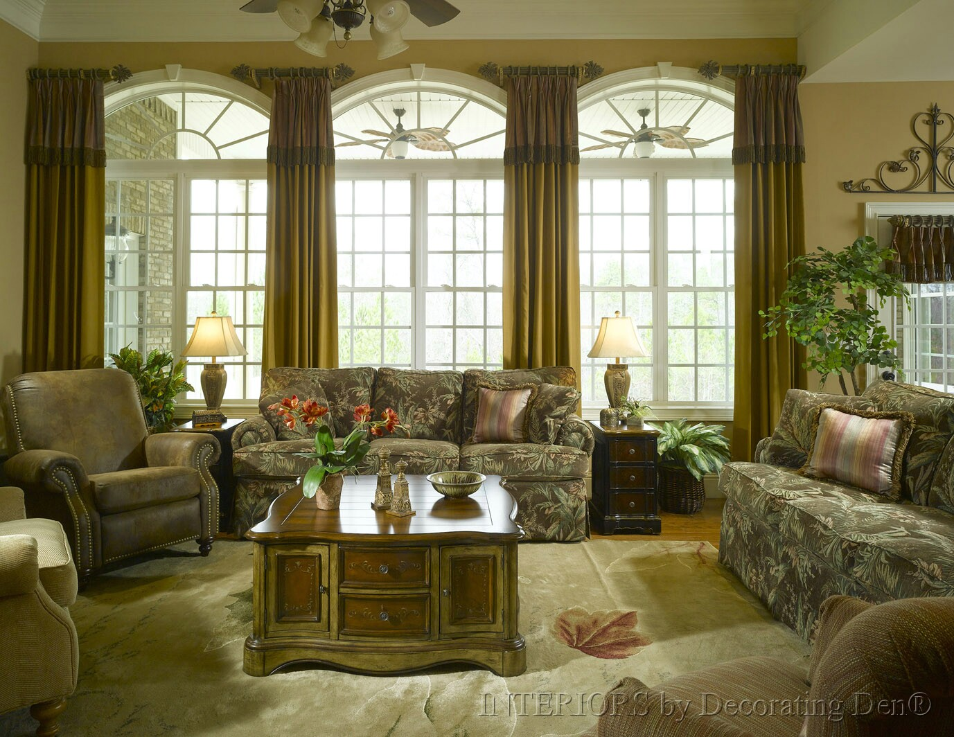 Discover creative custom window treatments for arched for Arched bay windows